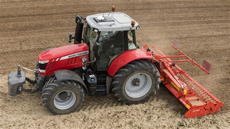 Massey Ferguson launches 200hp four-cylinder tractor