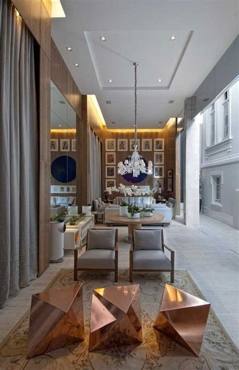 How To Decorate A Lobby?