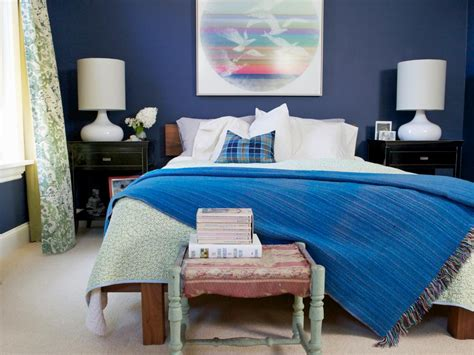 Tips for Designing a Stylish Small Bedroom | HGTV