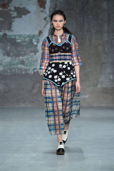 MARNI SPRING SUMMER 2018 WOMEN'S COLLECTION | The Skinny Beep